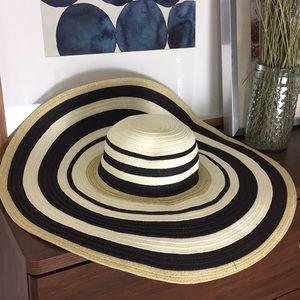 NORDSTROM Oversized Floppy Striped Straw Sun Hat